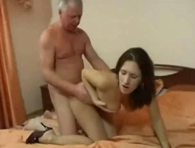 Смотреть грязный секс отца и дочки