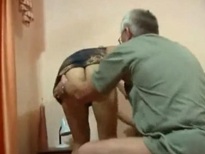 папа ебет дочь порно онлайн бесплатно