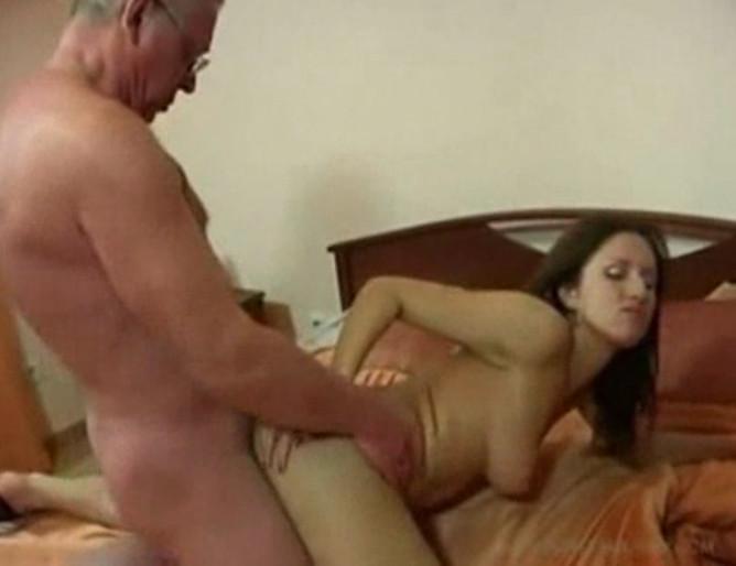 Жестокое видео порно отца и дочери