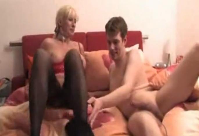 Регистрации порно кончант маму в ролики сын без смотреть