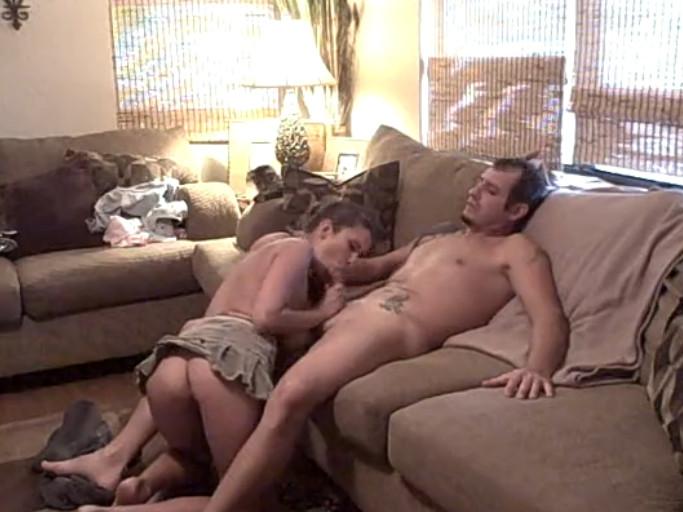 Порно отец смотрит телик дочь