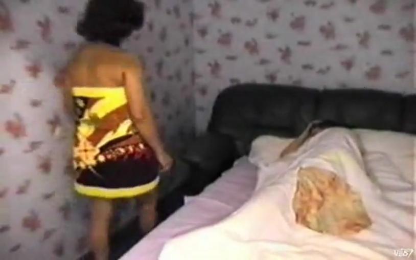 Мама и сын занимаются сексом перед камерой в русском порно