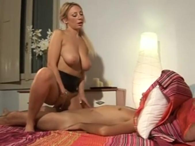 Порно итальянское сын мамочка