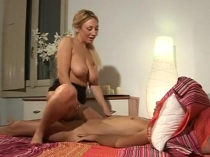 porno-video-spalil-mamu