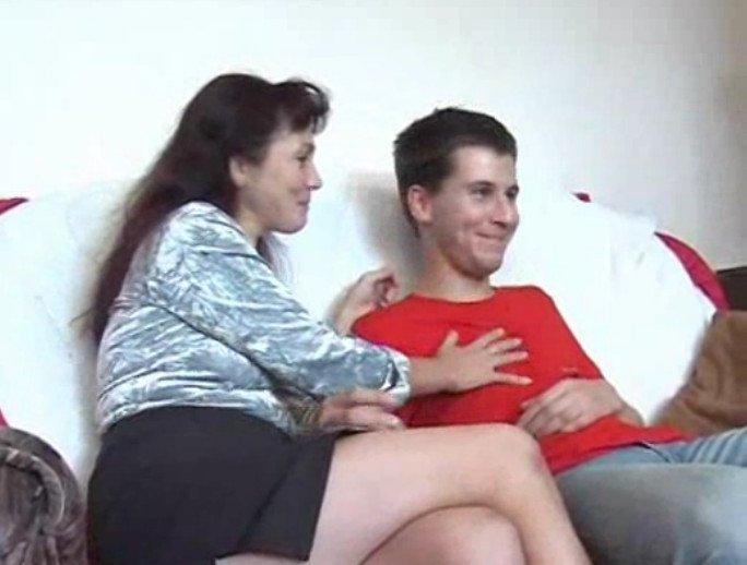 возбудила сына мама как