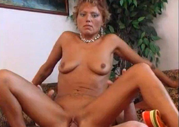 Порно Видео Мама Довела Дочку До Оргазма
